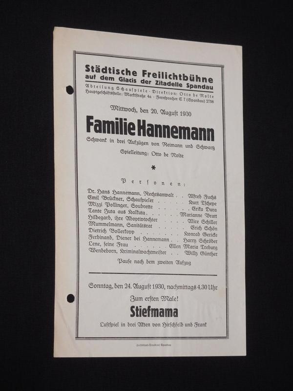 Anzeige der städtischen Freilichtbühne Spandau des Schwanks Familie Hannemann von Max Reimann und Otto Schwartz aus dem Jahr 1930.
